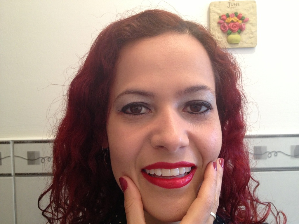 Finished Look: Smokey Eye Effect with Red Lipstick and Matching Nails