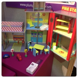 Pum Products – Ingham Fire Station Wooden Play Set with Accessories
