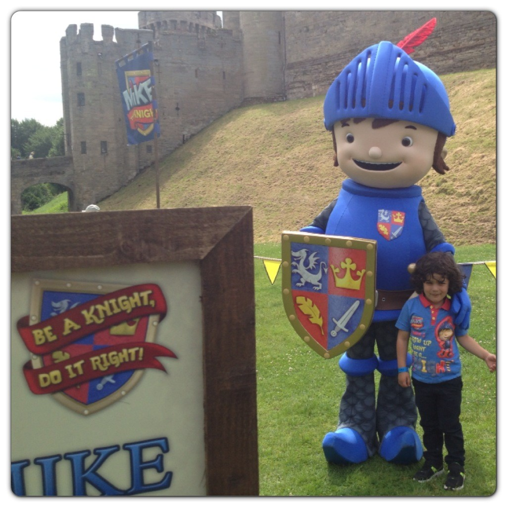 Little Man with Mike the Knight