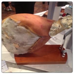 Ham in Stand