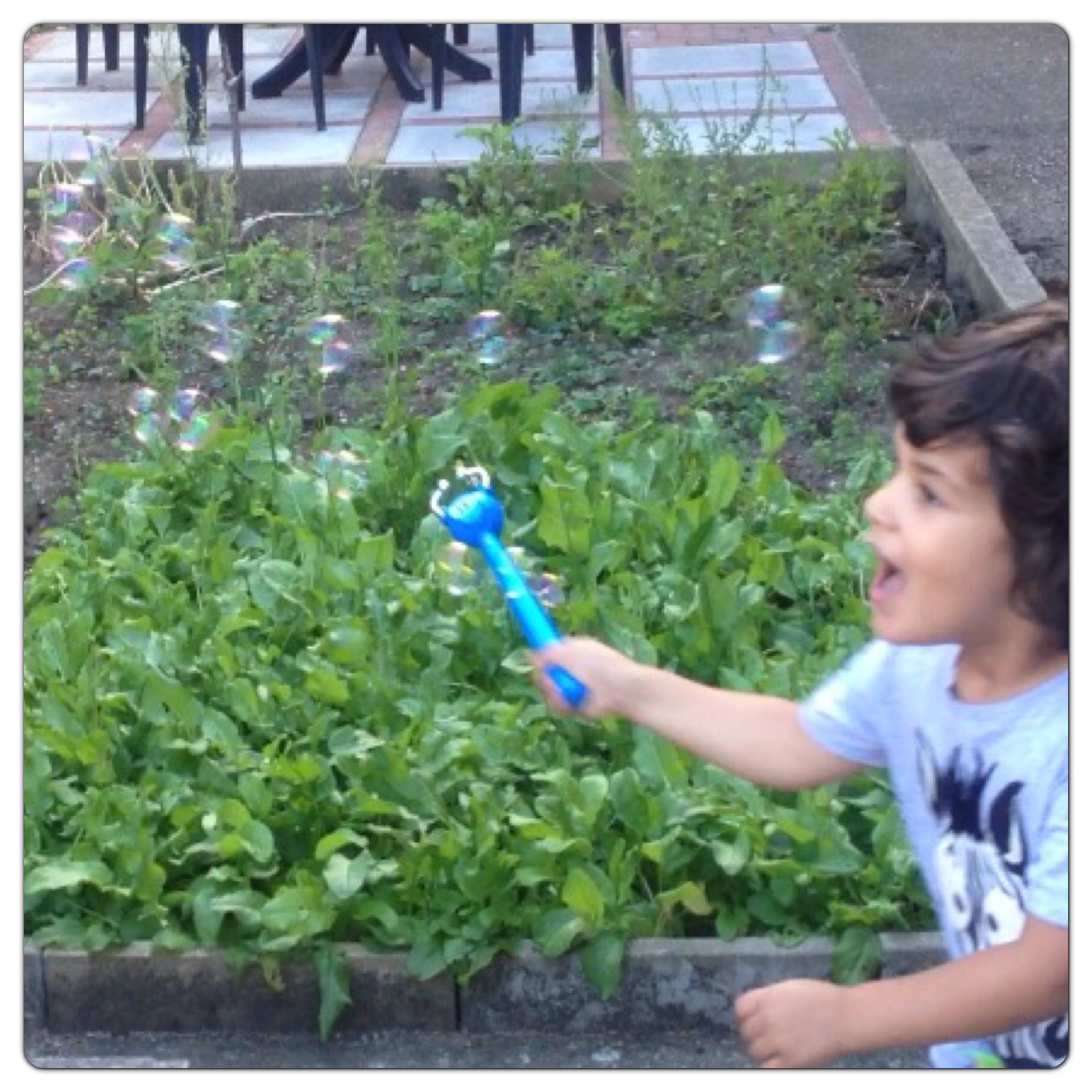 Catching Bubbles with Magic Wand
