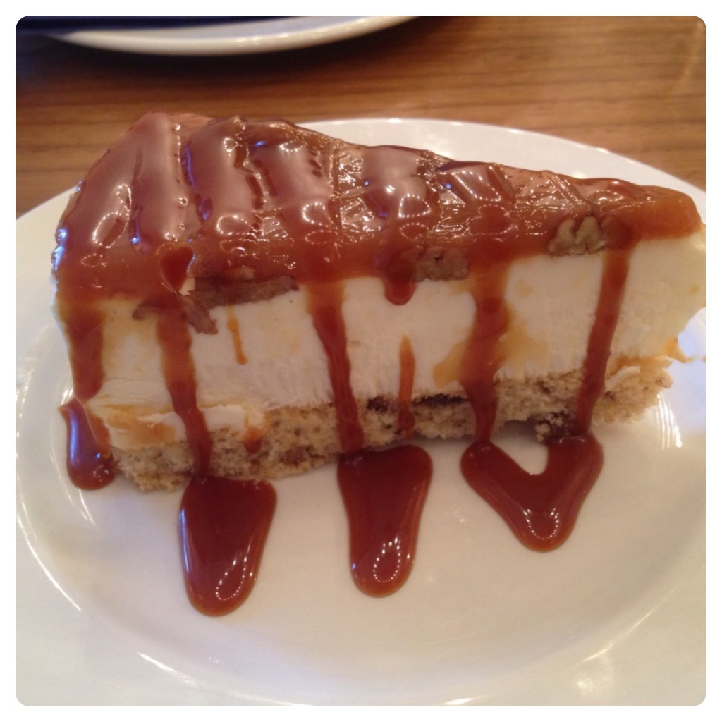 Caramel and Pecan Cheesecake