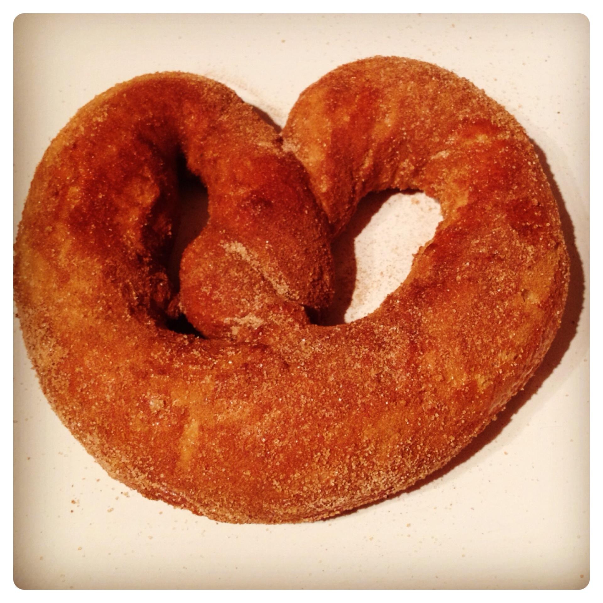 Soft and Sweet Cinnamon Sugar Pretzel Recipe by Lilinha Angel's World ...