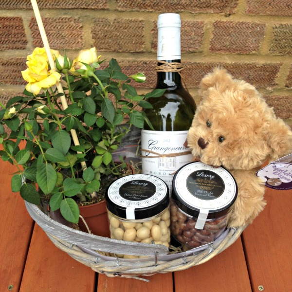 Teddy Loves Roses Gift Basket by Serenata Flowers