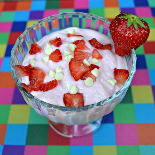 Angel Delight Bubblegum with White Chocolate and Strawberry