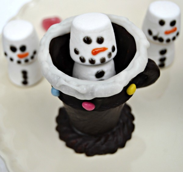 Edible Chocolate Cup and Marshmallow Snowman