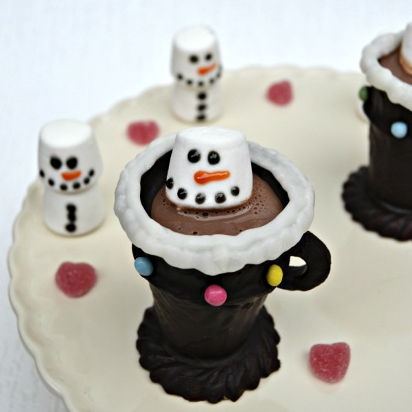 How to Make Edible Chocolate Cup and Marshmallow Snowman