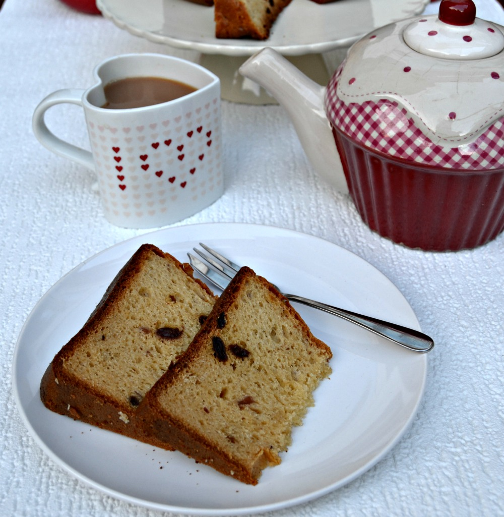 Panettone with Tea