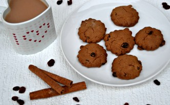 Flower Shaped Cinnamon Raisins Cookies