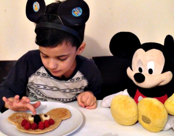 Mickey Mouse Breakfast 4